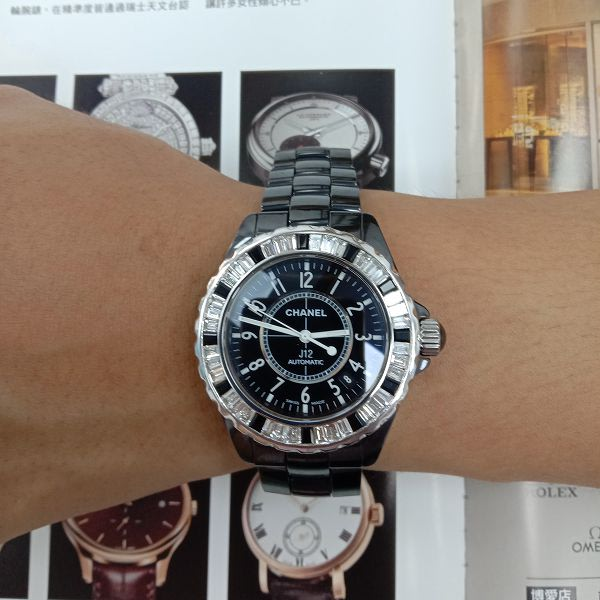 台中玖泰流當品 原裝 CHANEL J12 38mm 黑陶瓷 鑽圈 自動 男女錶 9成5新 特價出清 ZR514